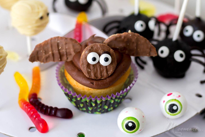 Je vous propose une recette super simple pour pâtisser avec vos enfants et réaliser des muffins chauves-souris pour Halloween. Ça les amusera à coup sûr! #muffin #chauvesouris #gateauhalloween #halloween #gateau #gateaufacile #patisserieenfant #cuisineenfant #gourmandises #recette #recettefacile #enfants #kids #activitesenfants