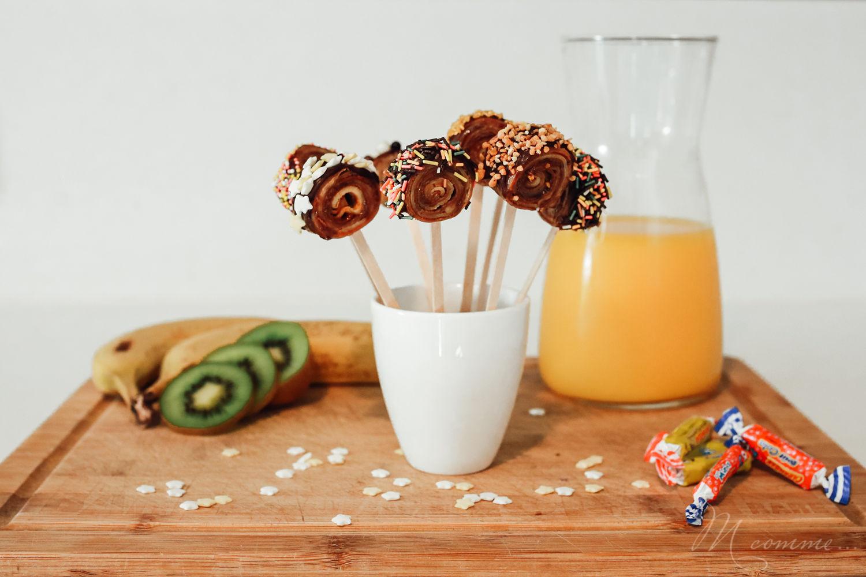 L'heure de la chandeleur a sonné. Voici une recette gourmande et facile à réaliser pour un goûter original et coloré qui régalera les enfants à coup sûr. #recette #crepe #recettecrepe #gouter #original #gouteroriginal #recettecrepesimple #gourmande #colore #sucette #crepesucette