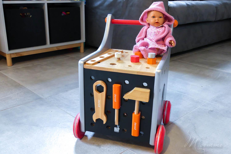 Je ne vois aucun problème à ce qu'une fille joue à bricoler ou aux voitures et un garçon à la poupée. Ce qui n'était visiblement pas le cas de mon fils.... Quand les préjugés reprennent le dessus ! #fille #garçon #poupee #voiture #prejuges #jouetssansgenre #genre