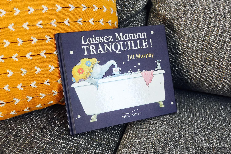 Lecture enfant « laissez maman tranquille ». Ce livre reflète à merveille le quotidien d'une maman qui n'arrive pas à avoir 5 minutes de répit face aux demandes de ses 3 enfants. C'est un joli support pour aborder le sujet de la sollicitation avec son enfant. #lecture #lectureenfants #livre #livreenfant #viedemaman #maman #mamansollicitée #sollicitation #quotidiendemaman #tranquillité #mamantranquille #pastranquille #enfants #patience