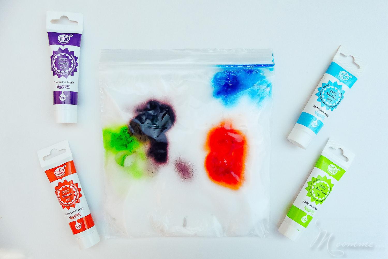 sac sensoriel mousse à raser et peinture ou colorants