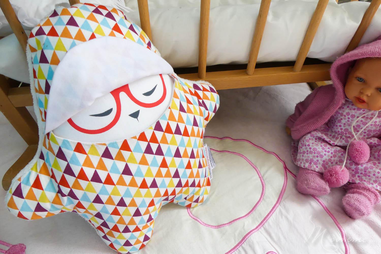 Comment réussir à coucher bébé sereinement : comprendre l'importance de la permanence de l'objet pour un rituel du coucher réussi. #sommeil #rituel #rituelducoucher #permanencedelobjet #objettransitionnel #doudou #peluche #biendormir #troublesdusommeil #angoisses #angoissedeseparation #nuitdesommeil #veilleuse #berceuse